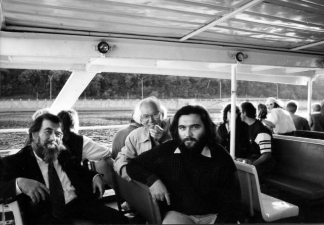 Сергей Борисович Бураго и Дмитрий во время традиционной прогулки по Днепру на Международной научной конференции «Язык и культура». 1994